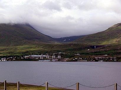 How to get to Reyðarfjörður with public transit - About the place