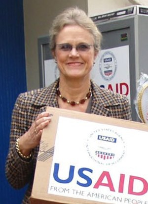 Robin Raphel - Robin Raphel delivers aid in Peshawar