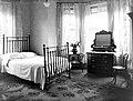 Rostrevor Hydro- bedroom (40748545490).jpg