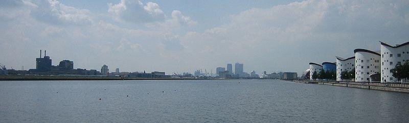 File:Royal Albert Dock 2007.jpg