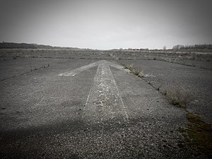 Sint-Truiden Air Base - Image: Runway Airport Brustem