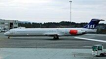 卑爾根機場-客運大樓-SAS MD-82 LN-RMM