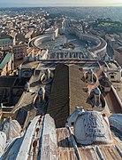 Saint Peter's Square Vatican 07.jpg