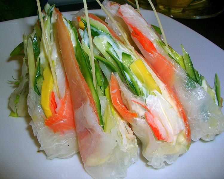 Archivo:Salmon rice roll.JPG