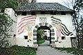 Sankt Georgen am Längsee Burg Hochosterwitz 01 Fähnrichtor 22042007 8166.jpg