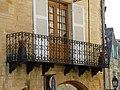 Sarlat-la-Canéda 16 rue Fénelon balcon.JPG