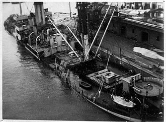 5 Kolonne - The German steamer Scharnørn, sunken after sabotage, Port of Aarhus