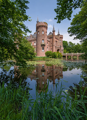 Moyland Castle, side view