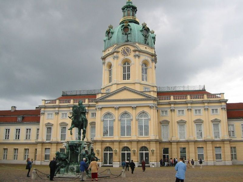 File:Schloss charlottenburg.jpg