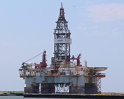Seadrill drilling rig 'West Sirius' at Port Aransas TX (26845430894).jpg