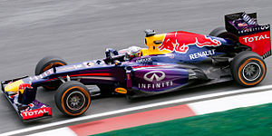 Red Bull RB9 - Image: Sebastian Vettel 2013 Malaysia FP1