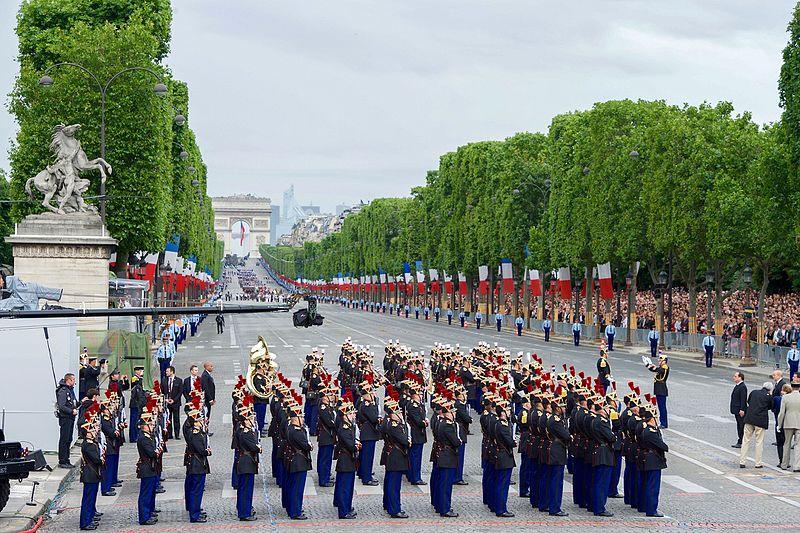 File:Secretary Kerry Attends Bastille Day Festivities in Paris, France (28197342072).jpg