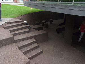 Serpentine Gallery Pavilion 2012.jpg