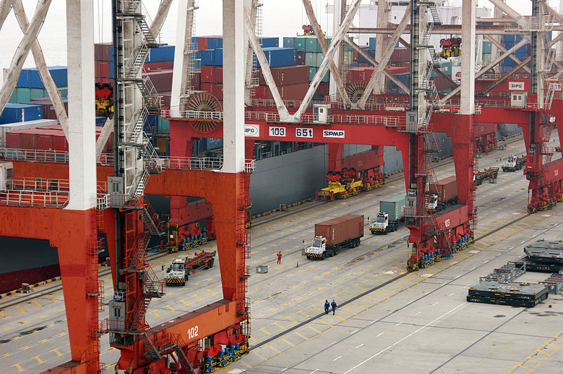 The port of Shanghai handled 42million TEU in 2018
