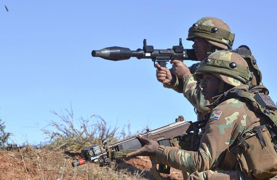 南アフリカ国防軍 - Howling Pixel