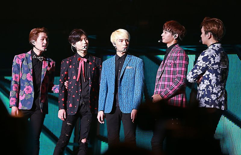 File:Shinee at the SHINee World Concert III in Taiwan.jpg