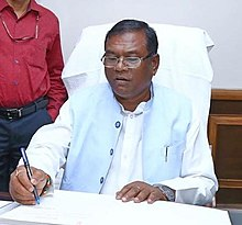 Shri Faggan Singh Kulaste taking charge as the Minister of State for Steel, in New Delhi on May 31, 2019 (cropped).jpg