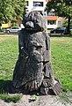 Skulptur Alt-Lietzow (Charl) Bärenfigur mit Adler&2000.jpg