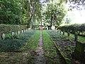 Soldatenfriedhof mit Gedenkkreuz.JPG
