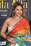 Sonakshi Sinha - IIFA 2017 Green Carpet (35586491213) (cropped).jpg