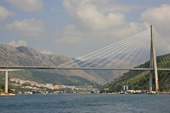Span of The Franjo Tuđman Bridge (5968237226).jpg