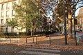 Square Alfred-Capus, croisement boulevard Suchet, Paris 16e.jpg