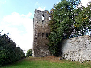 West Malling - Image: St leonards tower