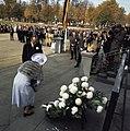 Staatsbezoek koningin Juliana en Prins Bernhard aan West Duitsland koningin Ju, Bestanddeelnr 254-8997.jpg