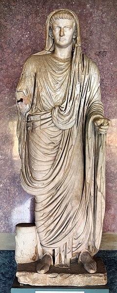 File:Statue della famiglia giulio claudia, dal foro di veleia, 14-54 dc ca., caligola.jpg