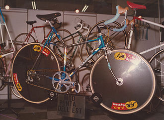 """Stelbel - """"The """"Punta dell'Est"""" model on display at the Stelbel booth at the """"Fiera del Ciclo di Milano"""" in 1985"""