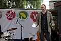Stellan Skarsgård Rödgröna dagen i Kungsträdgården 100912.jpg