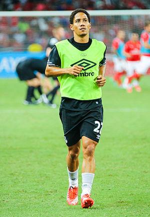 Steven Pienaar - Pienaar warming-up for Everton in 2015
