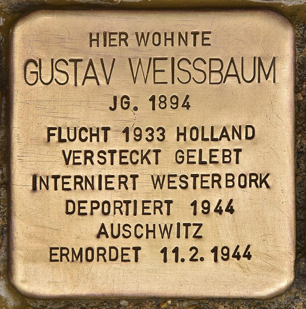 Stolperstein für Gustav Weissbaum (Neumünster).jpg