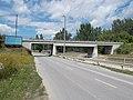 Tatabánya–Oroszlány railway line bridge over the Által Stream and Erdész Street, 2017 Tatabánya.jpg