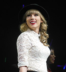 Taylor Swift RED tour 2013 (8588000453).jpg