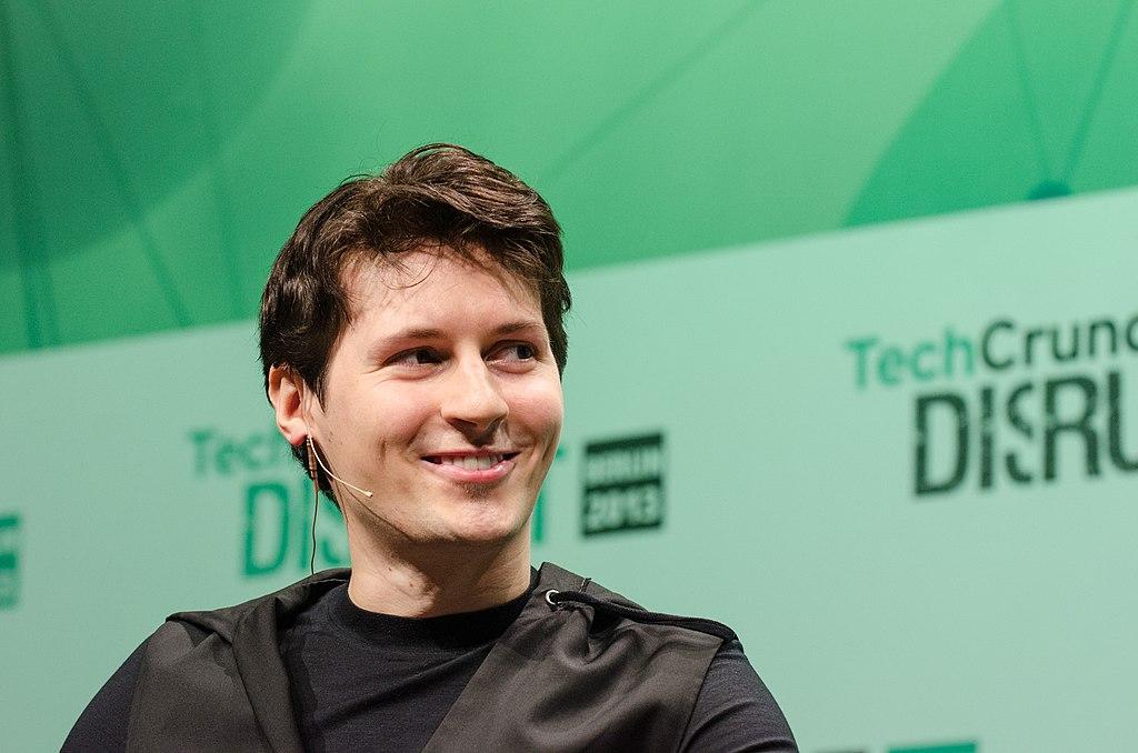 Павел Дуров разбил смартфон блогеру изПетербурга