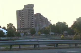 Building implosion - Image: Tencza demolition