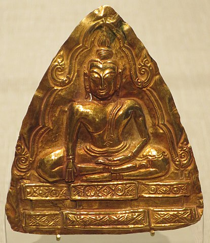 https://upload.wikimedia.org/wikipedia/commons/thumb/0/02/Thailand%2C_Ayutthaya_style%2C_15th-16th_century%2C_Hammered_gold_Plaque_with_Buddha.jpg/414px-Thailand%2C_Ayutthaya_style%2C_15th-16th_century%2C_Hammered_gold_Plaque_with_Buddha.jpg
