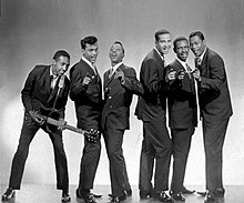 The Contours. From left to right: Huey Davis (guitarist), Hubert Johnson, Billy Gordon, Billy Hoggs, Joe Billingslea, and Sylvester Potts.