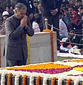 The Minister of State for Planning (Independent Charge) and Defence, Shri Rao Inderjit Singh paying homage at the Samadhi of Mahatma Gandhi on the occasion of Martyr's Day, at Rajghat, in Delhi on January 30, 2016.jpg