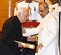 The President, Shri Pranab Mukherjee presenting the Padma Bhushan Award to Shri Pallonji Shapoorji Mistry, at a Civil Investiture Ceremony, at Rashtrapati Bhavan, in New Delhi on March 28, 2016.jpg