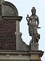 Tropenmuseum B right statue.jpg
