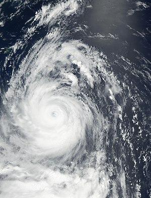 Typhoon Chataan - Image: Typhoon Chataan 08 july 2002 0400Z