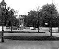 USIS - Mozartdenkmal Burggarten 1 crop.jpg