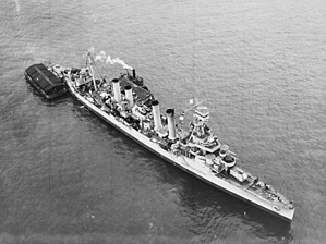 USS Omaha (CL-4) - Image: USS Omaha (CL 4) in New York Harbor, 10 February 1943 (19 N 40594)