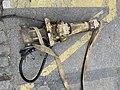 Un marteau-piqueur sur le sol, rue Sainte-Geneviève (Lyon) (1).jpg