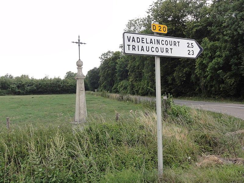 Vadelaincourt (Meuse) croix D 20 - N 35