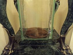 Част от отрязаните коси на Васил Левски, съхранявани в музея в Карлово