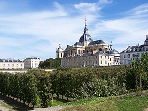 Potager du roi - The Lelieur orchard and the cathedral of Saint-Louis