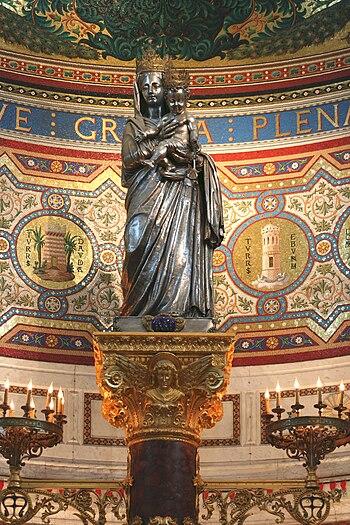 Statue en argent repoussé au marteau de la Vie...